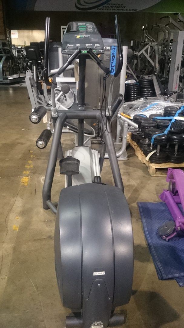 Precor 556 V3 Elliptical 1