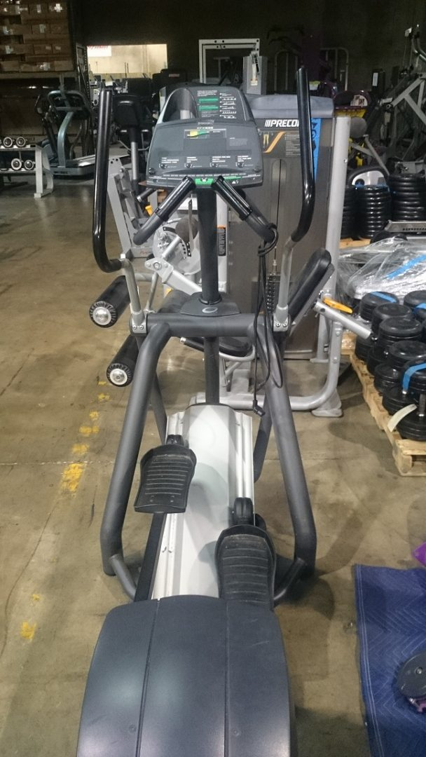 Precor 556 V3 Elliptical 3